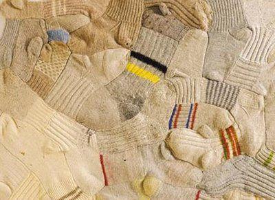 goed idee van Anu Tuominen voor al die eenzame sokken die hun partner in de was verliezen