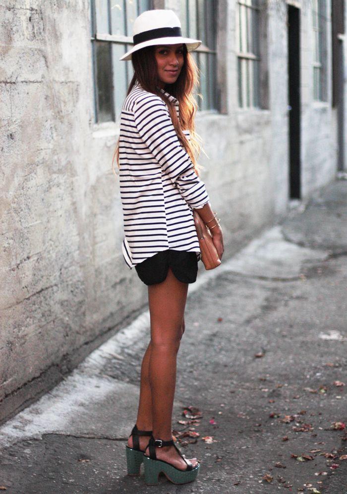 breton shirt + panama hatLoo Blouses, Clothing Hors,  Minis, Skinny Jeans, Black Whit Stripes, Jeans And Flats, Streetstyle Fashion, Black Stripes, Nice Blouses