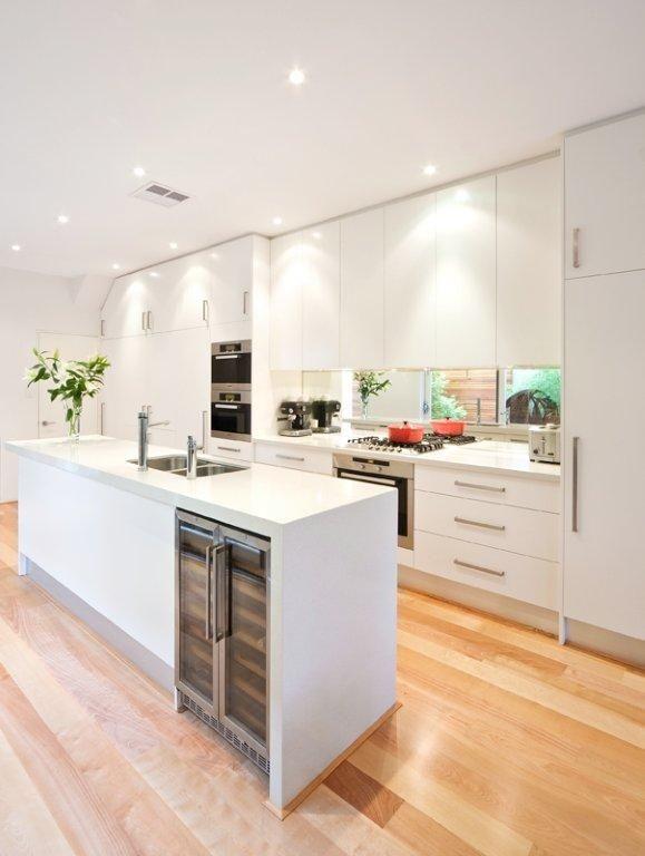 White cabinets ice snow caesarstone