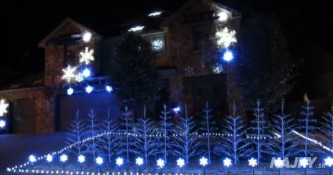 Toto se opravdu povedlo! Podívej se na spojení vánočního osvětlení a písničky z Ledového království!