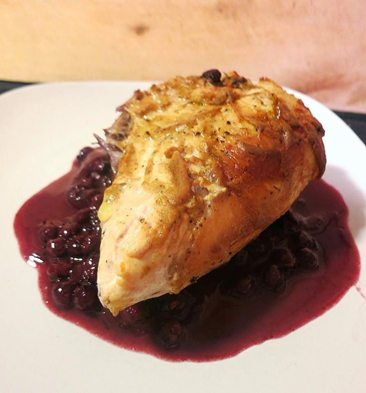 Foraged Foodie: gluten free dijon chicken with juneberries (service berry, saskatoon berry), in a beurre rouge. #foraging