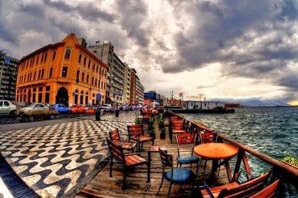 Google+ zafer işler compartió esta publicación por primera vez en Street Photographers (Discussion): ZAFER İŞLER door and windows pictures turkey-izmir-alsancak