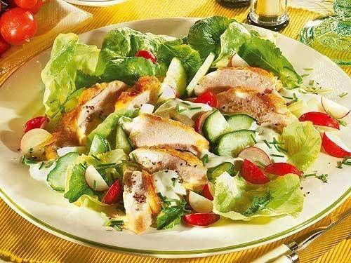 Gemischter Salat mit Hähnchenbrust -
