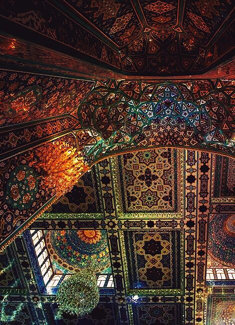 Inside the shrine of our beloved Imam Hussein in Karbala......destination of every lovers heart. LABAYK YA HUSSAİN IBN ALİ A.S