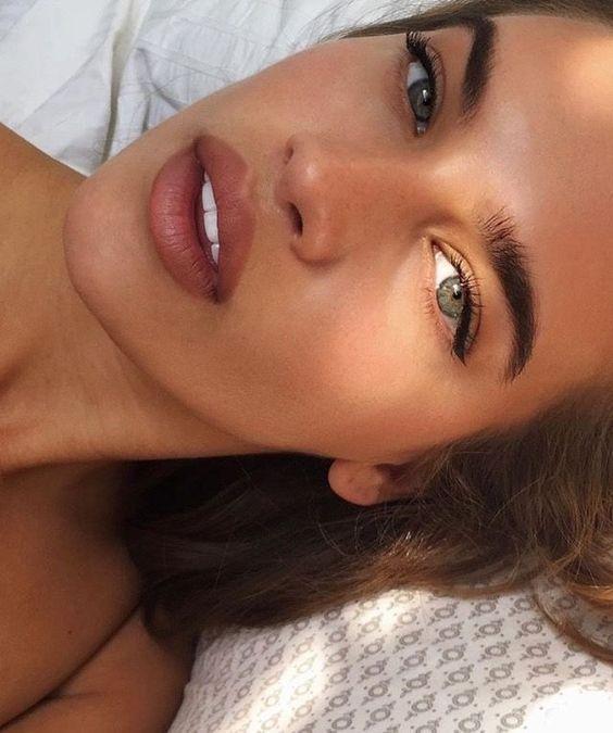 Testen Sie RMS Lip2Cheek in Modest für eine ähnliche Lippenfarbe