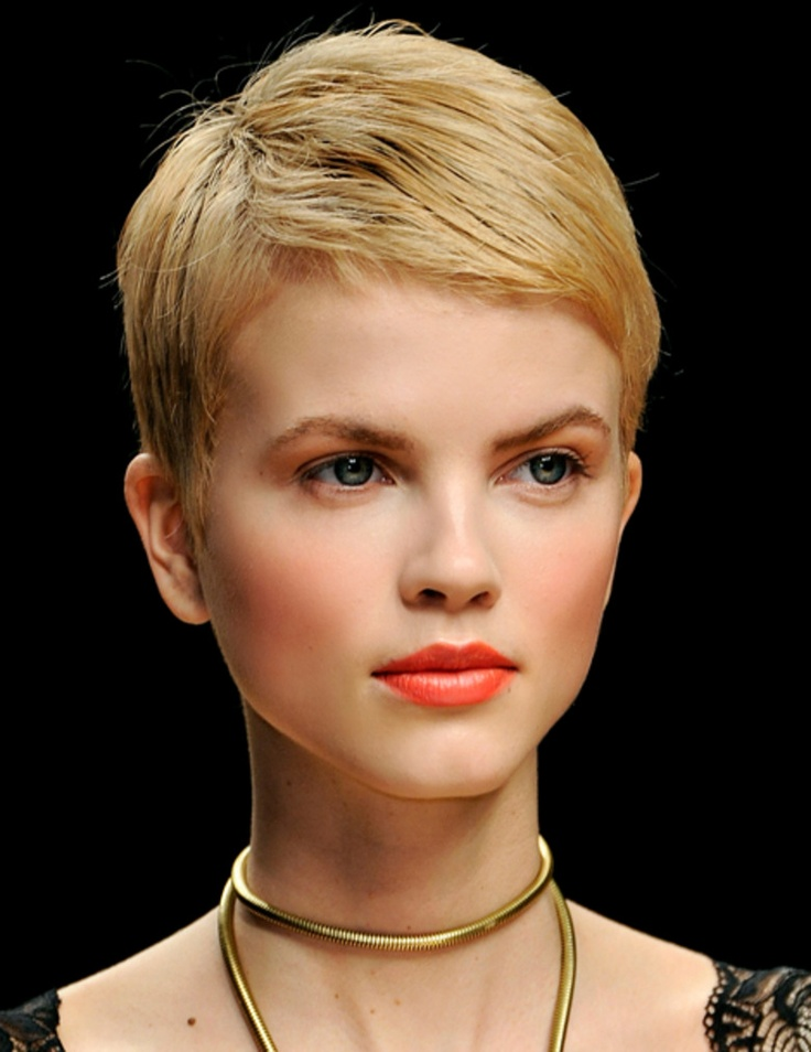 1000 id es sur le th me cheveux la gar onne blonds sur pinterest cheveux la gar onne - Coupe garconne fille ...