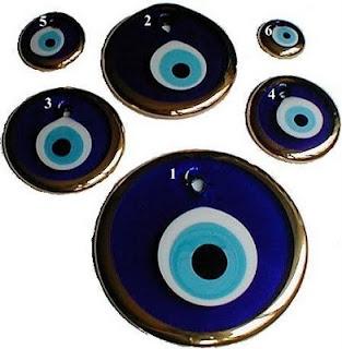 Nazar Boncuk , oeil bleu qui protège du mauvais sort... (Turquie)