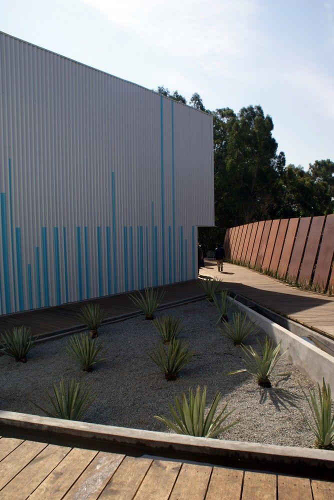 MIRA | Dionne Arquitectos + Metarquitectura + JAR Jaspeado Arquitectos + Adaptable #landscape #design #architecture