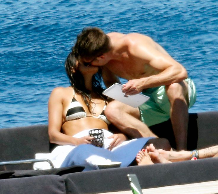 Zac Efron Kisses Michelle Rodriguez on Vacation in Italy: Pictures - Us Weekly