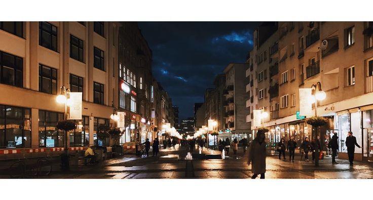 Oławska #olawska #dominikanska #wroclaw #wrocław #wroclove #street #night #light #lights #sky #clouds #dark #night #rain #reflection #vsco #shotoniphone