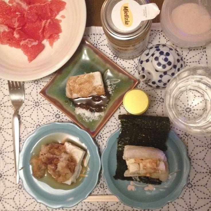 真夜中過ぎたら胃に優しい  からみ餅クリームチーズとバターの磯辺餅砂糖たっぷり甘辛餅  グレープフルーツ ユーカリ蜂蜜添え  #keikoswashoku #keikomme #foodie #delicious #yummy #washoku #midnight #dinner #japanfood #foodporn #mochi #ケイコ飯 #夜中飯 #晩飯 #ヘルシー #和食 #料理 #餅 #美味しい #FB #pin