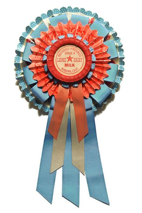 I love Cathe Holden's festive rosettes crafted from vintage trims and ephemera!