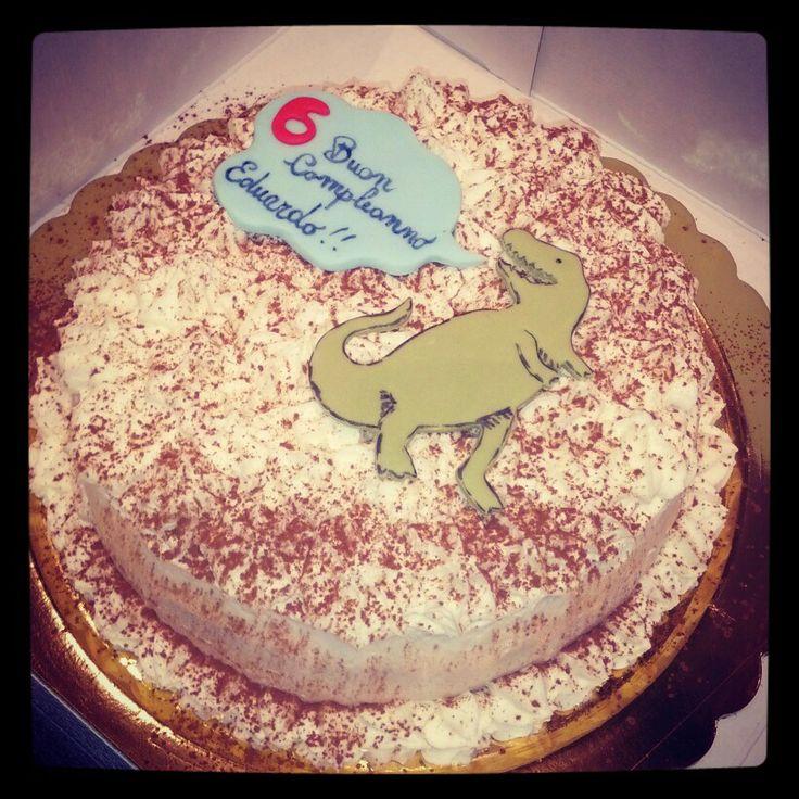 B-Day cake with fondant dinosaur