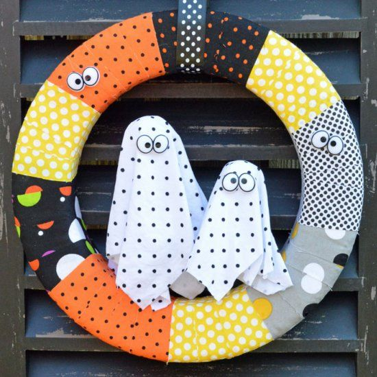 Easy, DIY Ghost Wreath celebrates Halloween in a non-scary way. A liberal…