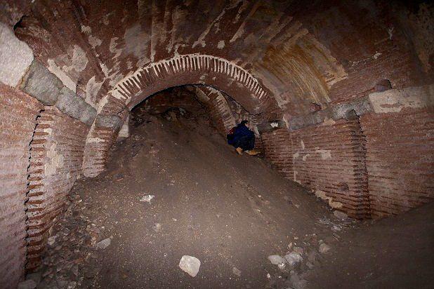 Sultanahmet'te, bir otoparkın altındaki Bizans sarayı