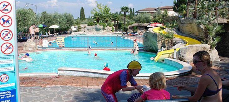 Villaggio Turistico Internazionale Eden  Dit mooie vakantiepark is gelegen in een schitterende bosrijke natuur op een heuvel met diverse terrassen en biedt u een adembenemend uitzicht over de baai van Salò en de berg Monte Baldo. Villaggio Turistico Internazionale Eden wordt gerund door een familie en staat bekend om de gastvrije sfeer en de grote zorg die tot aan de kleinste details aan alles wordt besteed. De geboden faciliteiten waaronder zwembaden met glijbanen (in twee verschillende…