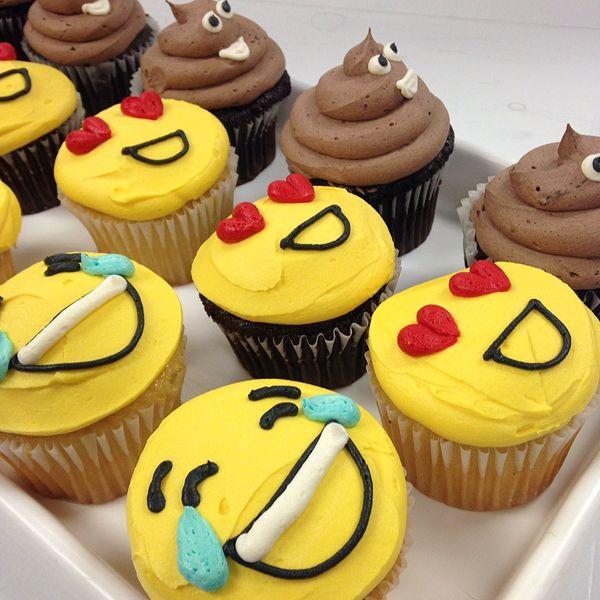 Emoji Cupcakes 325 Each Simple Emojis Only Minimum Order Of 12