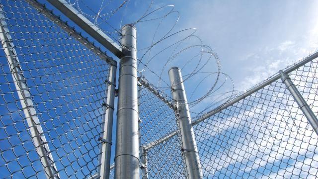 Deense gevangene smokkelt via drone mobiele telefoons naar binnen   NU - Het laatste nieuws het eerst op NU.nl