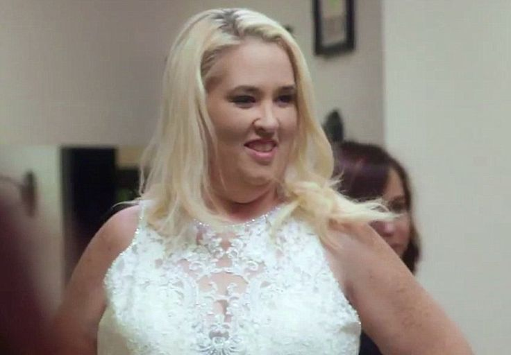 "Estranged Daughter ""Chickadee"" Claims Mama June's Weight Loss Was For Fame https://cstu.io/f64220"