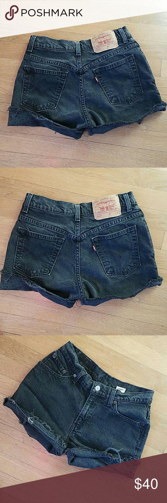 "Levi's 517 vintage cut off shorts 26"" hand measured waist, 3"" inseam, 9 1/2"" rise, tagged 7 Jr Levi's Shorts Jean Shorts"