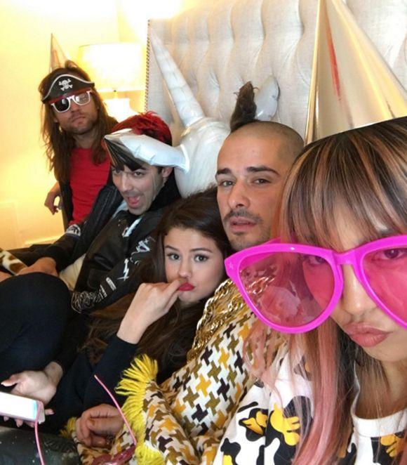 Joe Jonas et son band DNCE vont ouvrir pour Selena Gomez à Montréal | HollywoodPQ.com