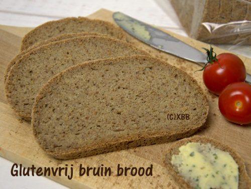 Glutenvrij bruin brood met extra vezels - Xandra Bakt Brood