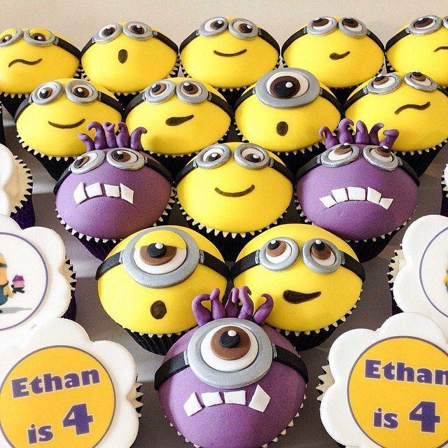 Ideias para cupcakes dos minions #minions #minionrush #minion #cupcakes #minioncupcakes #mae_festeira #maefesteiraminions by @trulymadlysweetlycupcakes