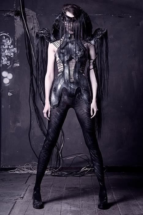 By Katarzyna Konieczka #alien #concept FASHIONISMO VAMP http://www.redevampyrica.com/home/?page_id=7469