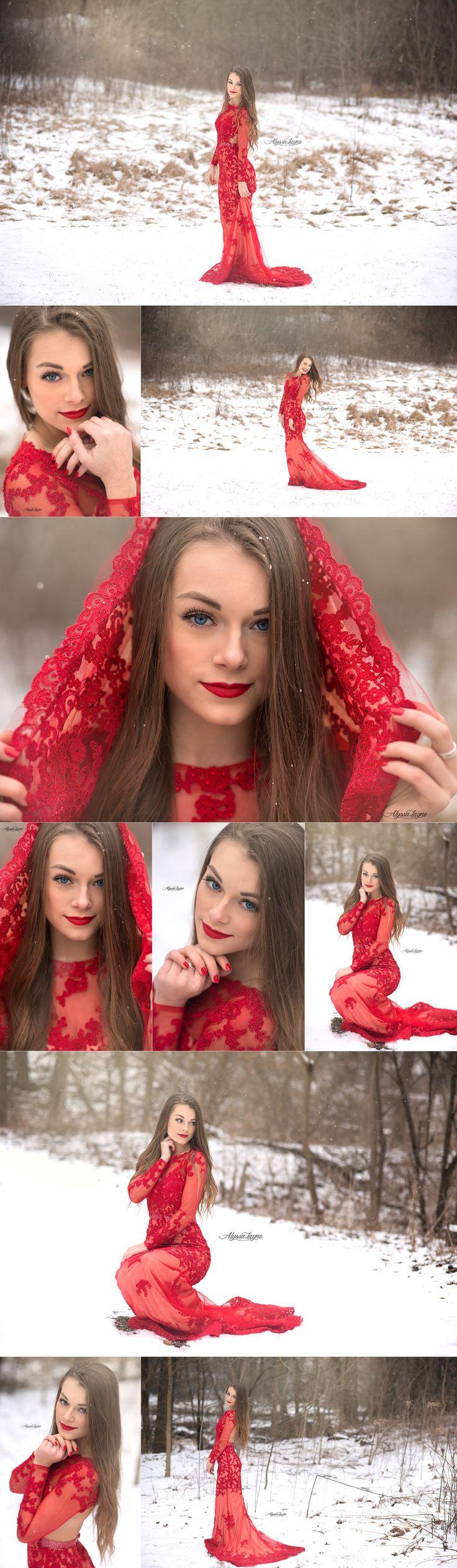 Illinois Senior Pictures | Alyssa Layne Photography | Winter Session | Senior Pictures | Senior Pose | Posing Ideas | Senior Photographer | Snow