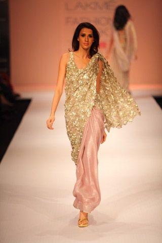 Sabyasachi Mukherjee, Wedding Saris, Nachiket Barve | Vogue INDIA