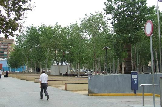 The Jardins de les Tres Xemeneies in Poble Sec are a pleasant urban space in the heart of the City Centre.