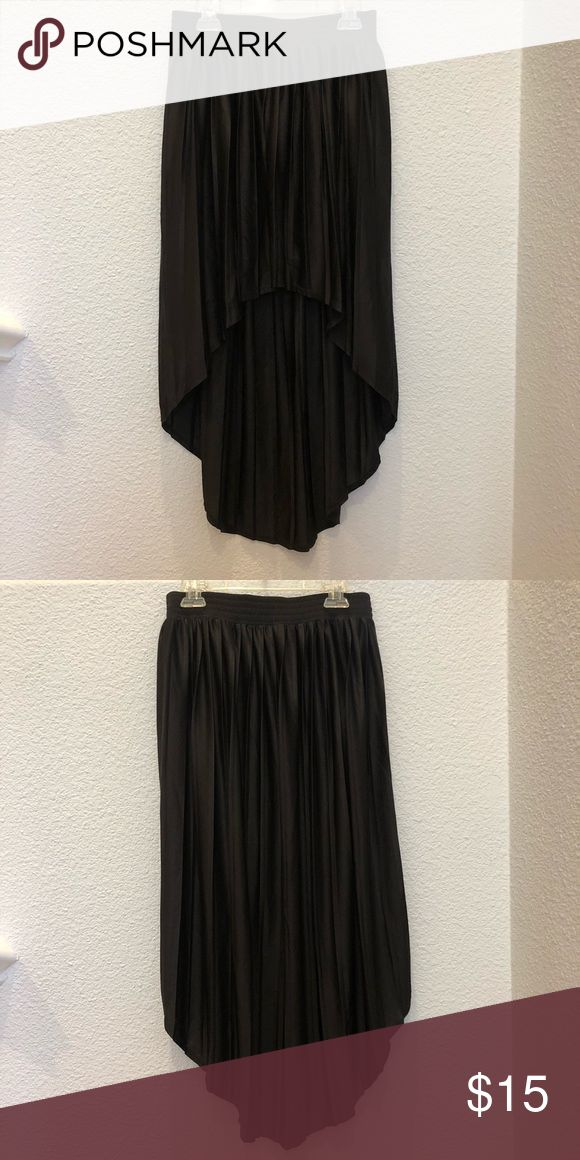 Size Small Black High-Low Skirt Size Small Black High-Low Skirt Forever 21 Skirts High Low