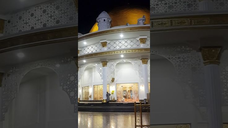 The Outside View of Masjid Rahmatan Lil 'Alamin UPI YPTK Padang (1) https://youtu.be/T3G1LzX52-0