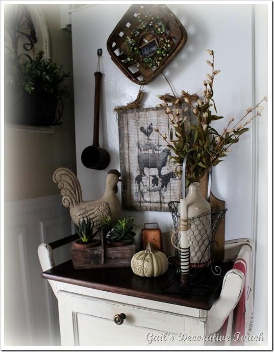 Farmhouse vignette | Cottage, Shabby Chic and White Decor ...