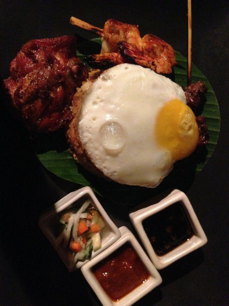 Traditional Nasi Gorang, cheap and delicious Bali food.