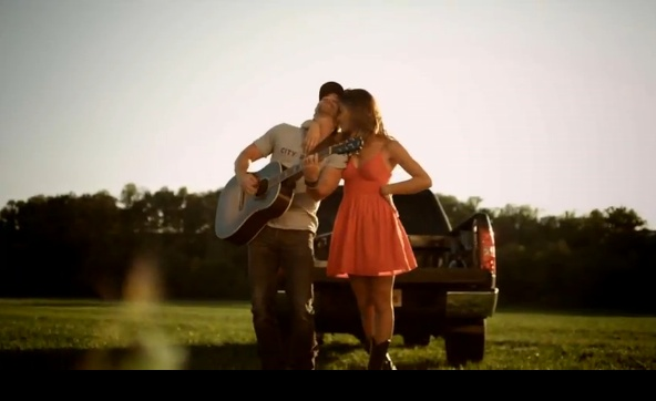 Somethin' bout a Truck by Kip Moore. Best country song this summer!Somethin Bout, Trucks, Kip Moore, Country Girls, Country Music, Songs Hye-Kyo, Country Songs, Music Videos, Country Stars