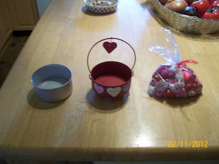 Valentine cat food can project