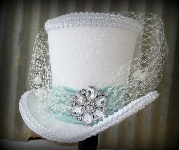White and Mint Green Linen Mini Top Hat, Alice in Wonderland Mini Top Hat, Bridal Facinator,  Tiny Top Hat, Tea Party Hat, Mad Hatter Hat.