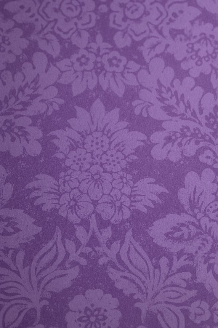 Purple wallpaper posh colour purple interior steph s for Purple wallpaper for walls
