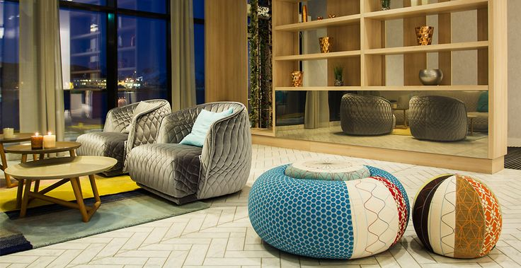 Hotel Rica Havet Moroso Donut Stool Amp Moroso Joy Stool