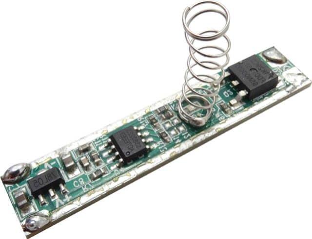 DIMMERUL TACTIL 5A PENTRU PROFIL ALUMINIU a fost creat pentru confortul tau! Un device de management al intensitatii luminii, utilizat simplu, prin atingere. Se monteaza in profilul de aluminiu cu dispersor.