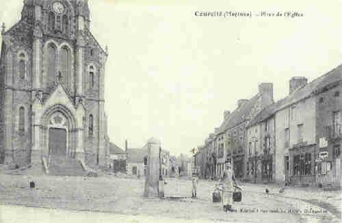 Courcité - Place de l'Eglise (1919)