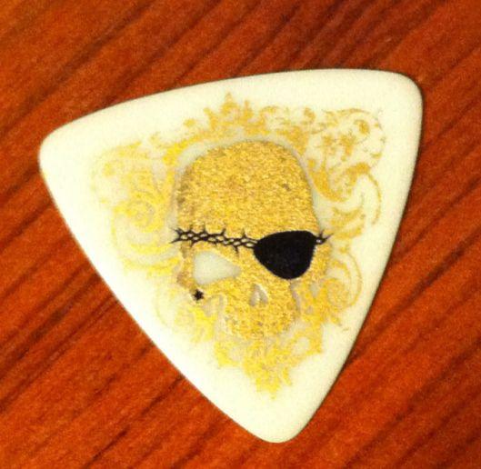 VAMPS (JPN) - K.A.Z's guitar pick!