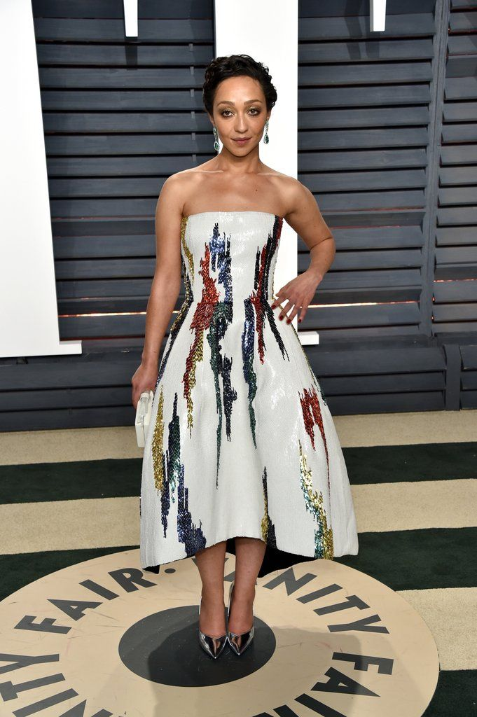Vanity Fair Oscars Party Dresses 2017 Ruth Negga Wearing an Oscar de la Renta gown, Stella Luna shoes, Edie Parker, and Gemfields jewels.