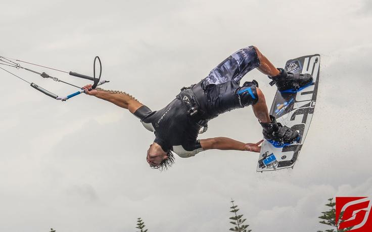 Switch Kites   #Kitesurfing #Kiteboarding #SwitchKites
