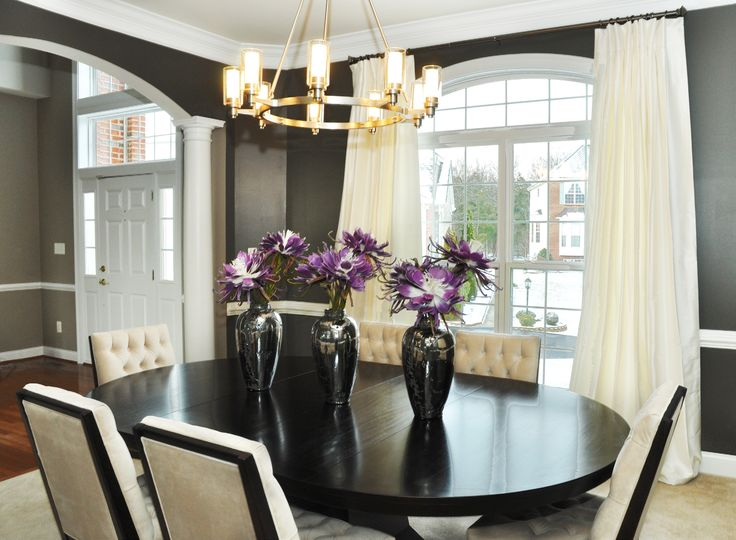 Modern And Simple Design Beautiful Chandelier Combined With Black Wooden Furniture That Makes The Difference
