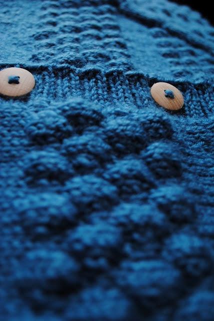 Jeg må MEGET snart strikke sådan en sømandstrøje.