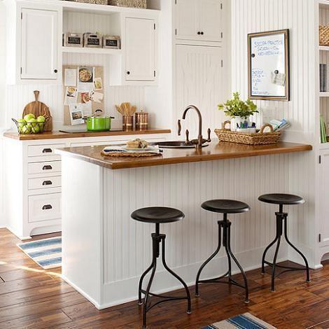 Me gustan mucho las encimeras de madera para la cocina, cada vez más, y sobretodo con los muebles en blanco ( vamos, las cocinas de estilo escandinavo ). Esta combinación creo que da un cierto aire rústico (aunque también se puede utilizar con muebles de líneas modernas yo la prefiero con un mueble más rústico ), aportando mucha luminosidad, gracias al blanco, y calidez al ambiente, gracias a la m ...