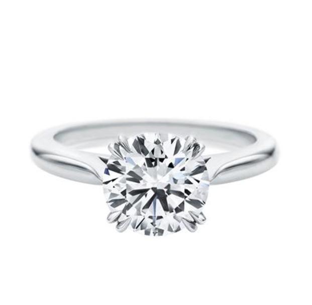 早くプロポーズされたい♡薬指に輝く今人気の婚約指輪♡ - Locari(ロカリ)