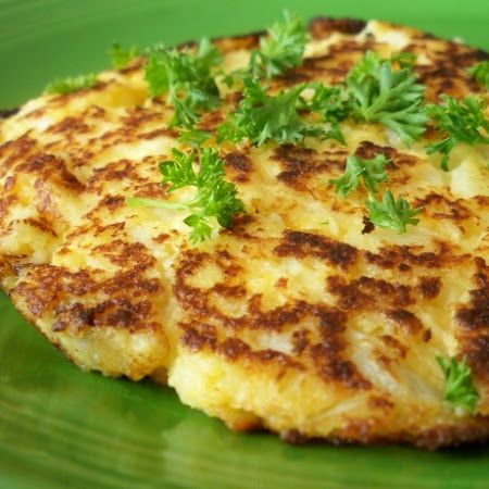 Healthy and kinda cheesy! Try these #cauliflower #cheese #patties
